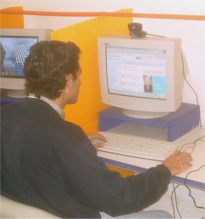 45. Le bateau-stop du cyber-café