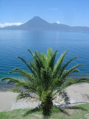 86. Lago de Atitlan Guatemala