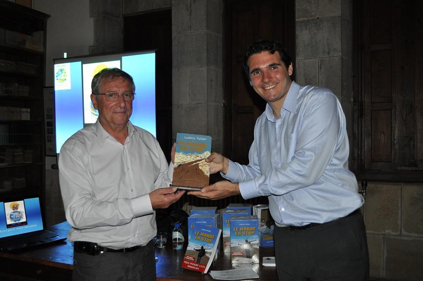 Remise du Prix Pierre Loti par le Maire de la ville d'Hendaye